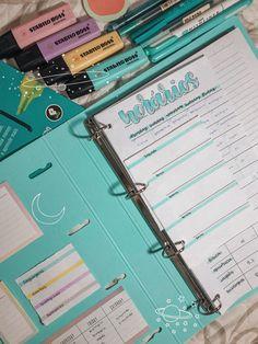 Stabilo Boss, Study Organization, Applis Photo, School Accessories, Bullet Journal School, Study Planner, School Study Tips, Pretty Notes, Study Space