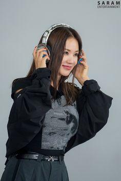 Uhm Jung Hwa, Love Her Style, Rain Jacket, Windbreaker, Jackets, Kpop, Fashion, Law And Order, Down Jackets