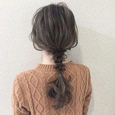 緩さがありワンサイドのヘアアレンジ 柔らかさがある
