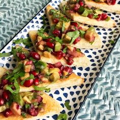 The Blonde Bird   Live healthy. Travel frequently. Eat your breakfast out of jars.: Avo & Pomegranate Salsa Chili, Breakfast In A Jar, Avocado, Pomegranate, Vegetable Pizza, Jars, Healthy Lifestyle, Healthy Living, Fruit