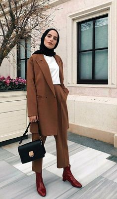 Get inspired: Our business outfit women # office clothes . - Let yourself be inspired: Our business outfit women # Office clothes - Casual Hijab Outfit, Hijab Fashion Casual, Street Hijab Fashion, Muslim Fashion, Modest Fashion, Fashion Outfits, Abaya Fashion, Fashion Muslimah, Hijab Chic