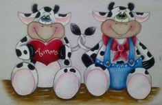 Lindo Pano de Copa, confeccionado com trabalhos manuais de pinturas e barrados. Figura: Casal Boi e Vaca.    Pode ser feito com diferentes cores e barrados.