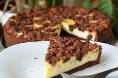 Cheesecake cu ciocolata Desserts, Food, Tailgate Desserts, Deserts, Eten, Postres, Dessert, Meals, Plated Desserts