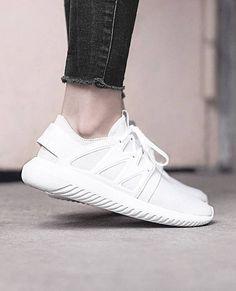 adidas Tubular Viral W mit Primeknit Upper. Hier entdecken und shoppen: http://sturbock.me/26b