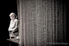 MURI – prima e dopo Basaglia  Teatro Studio – Milano  con Giulia Lazzarini  testo e regia Renato Sarti