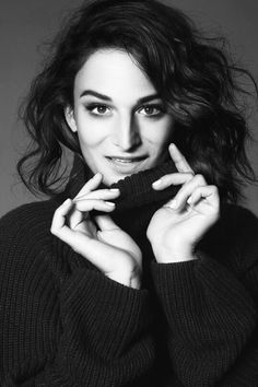 I can't get enough of this girl! Untitled — Jenny Slate for PAPERMAG. Shot by Albert Sanchez Pretty People, Beautiful People, Female Comedians, Jenny Slate, Epic Fail Pictures, Organic Beauty, Girl Crushes, Woman Crush, Powerful Women