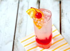 A Tom Collins | 21 Cocktails You Should Learn To Make In Your Twenties