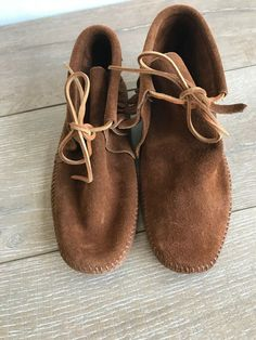 792cc40c90712 Minnetonka Fringe 3 Layer High Moccasin Boots Brown Suede size 8 | eBay