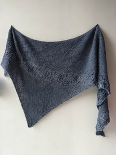 Aveline pattern by Emilie Luis - Dreieckstuch Stricken Knit Or Crochet, Lace Knitting, Crochet Shawl, Crochet Vests, Crochet Cape, Crochet Edgings, Crochet Motif, Knitted Poncho, Knitted Shawls