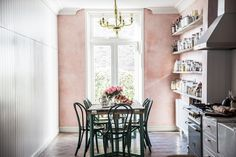 Perfect Patina: Luxe-Looking Wall Treatments That Aren't Tuscan or Tacky
