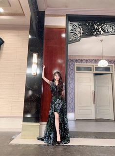 Outfit iu in hotel del luna Dress Outfits, Dress Up, Cute Outfits, Fashion Outfits, Girl Celebrities, Korean Celebrities, Luna Fashion, Baby Clothes Brands, Looks Chic