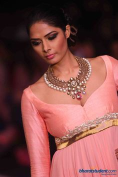 Priyanka Shah in pearl necklace Anmol Jewellers Show at IIJW 2012 Indian Bridal Wear, Indian Wedding Jewelry, Indian Jewelry, Bridal Jewelry, Wedding Jewellery Inspiration, Asian Wedding Dress, Traditional Indian Jewellery, Indian Necklace, International Jewelry