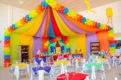 Girls Birthday Party Themes, Carnival Birthday Parties, Circus Birthday, Halloween Birthday, Carnival Party Foods, Carnival Themes, Balloon Decorations Party, Birthday Party Decorations, Rainbow First Birthday
