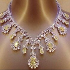 Mm_diamondsjewellers. Extraordinary yellow and white diamond necklace. Magnificent jewel. Astonishing colour. Spectacular stones. Princely gift.