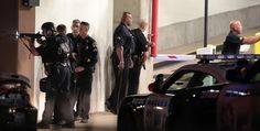 Se entrega un hombre armado en la marcha Dallas