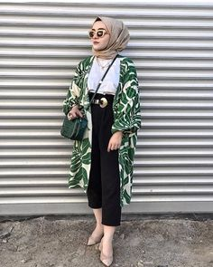 Likes, 15 Comments - ⠀⠀⠀⠀⠀⠀⠀⠀Faith Bd & Haifa Lz🇹🇳 (. Modern Hijab Fashion, Street Hijab Fashion, Muslim Fashion, Modest Fashion, Fashion Outfits, Casual Hijab Outfit, Hijab Chic, Casual Hijab Styles, Ootd Hijab