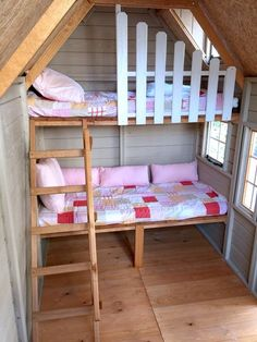 Casita infantil de madera con doble camita interior Two small beds with stairs with handrails and sa Playhouse Decor, Playhouse Interior, Backyard Playhouse, Build A Playhouse, Wooden Playhouse, Playhouse Furniture, Playhouse Ideas, Kids Cubby Houses, Play Houses