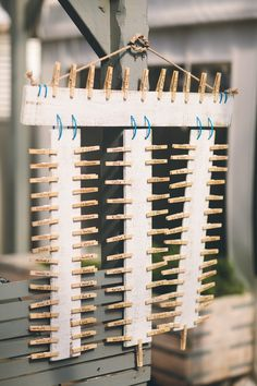 Love this DIY Peg table plan long round tables with paperboards