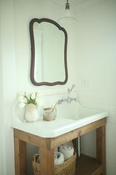 Love the vintage sink and stand