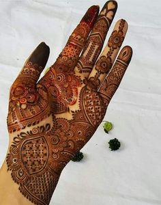 50 Most beautiful Agra Mehndi Design (Agra Henna Design) that you can apply on your Beautiful Hands and Body in daily life. Khafif Mehndi Design, Henna Tattoo Designs Simple, Latest Bridal Mehndi Designs, Full Hand Mehndi Designs, Stylish Mehndi Designs, Mehndi Designs 2018, Mehndi Designs For Girls, Mehndi Designs For Beginners, Simple Henna