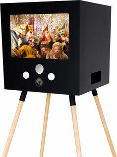 Die stylische Fotobox mit Sofortdruck-Flatrate! Für Messe, Event, Firmenfeier, Hochzeit & Party zum mieten in Köln, Düsseldorf, Bonn, NRW! PhotoBooth, Instagram Fotodruck, VideoBooth, Fotobox, Fotoautomat.