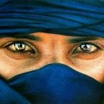 Targui >>Touareg Plus Beautiful Eyes, Beautiful People, Tuareg People, People Around The World, Belle Photo, Portrait Photography, Mail Art, Pictures, Morocco