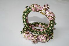 Mughal Jewelry, India Jewelry, Pens, Wedding Jewelry, Diamond Jewelry, Jewerly, Ethnic, Crochet Earrings, Enamel