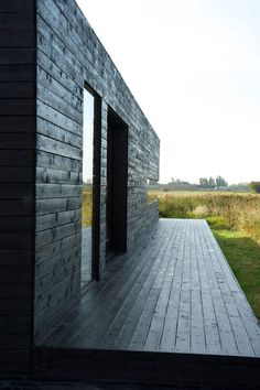 Black with natural neutrals. Black tamed by texture & reflection of light- Stealth Barn, Carl Turner Architects Residential Architecture, Amazing Architecture, Architecture Design, Black House Exterior, Interior Exterior, Dark House, My House, Wooden Facade, Brick Construction