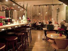Frühstücken im Hopper Restaurant im belgischen Viertel - mit Innenhof im Sommer!