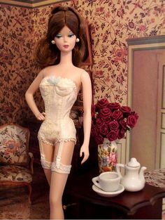 Continental Holiday Giftset Barbie in her lingerie! Divina