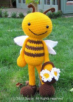 Ravelry: Happy Bee Amigurumi Crochet Pattern pattern by Sayjai Thawornsupacharoen