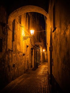 Orvieto by miemo, via Flickr