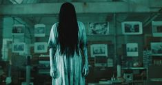 The Ring er en god gyserfilm. Her er 13 gyserfilm, du skal se – hvis du tør. Scary Gif, Scary Movies, Good Movies, Terrifying Movies, Awesome Movies, Ghost Stories, Horror Stories, Funny Stories, Ring Horror