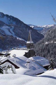 Châtel - Haute-Savoie - France - Eglise et chapelles                                                                                                                                                                                 Plus