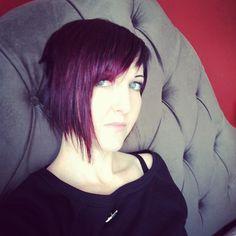 purple wine colored short bob hair