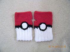 crochet pokeball fingerless gloves #pokemon