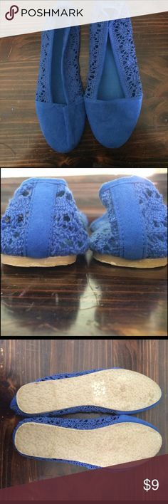✨Blue Lace Flats✨ Cute, casual, and bright colored- perfect for spring! These shoes are a soft suede type material on the front and the sides have super cute lace details!! Shoes Flats & Loafers