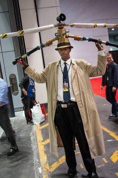 This Inspector Gadget costume is awesome! | 14 Times People Dressed As People Of Other Races For Halloween And Managed Not To Be Offensive.