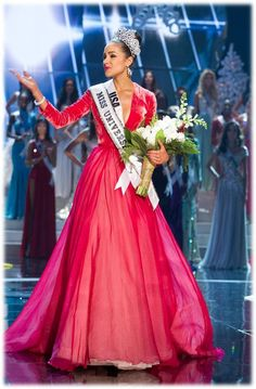 Miss USA Olivia Culpo crowned Miss Universe 2012 in Georges Hobeika Couture