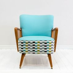 Ideas to Place Mid Century Modern Chair in Contemporary Room : Aqua Mid Century Modern Armchair Chair