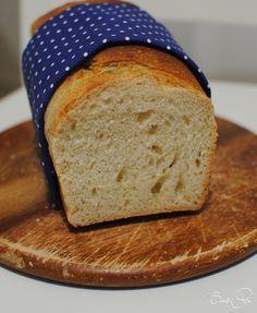 Um die zuckerfreie Zeit nicht ohne Toastbrot leben zu müssen, suchte ich mir bei meiner Brotback-Queen ein leckeres Rezept heraus. Für den ersten Versuch b