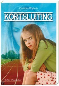 Recensie: Kortsluiting - Christine Kliphuis: http://tboekenblog.blogspot.nl/2014/04/recensie-kortsluiting-christine-kliphuis.html