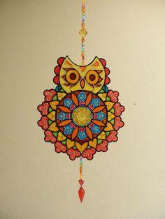 Mandala Coruja em PVC, técnica de pintura vitral R$ 45,00