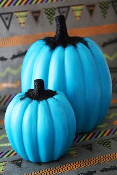 Learn how to make a teal pumpkin and show your support of FAREs Teal Pumpkin Project™! This campaign promotes safety, inclusion and respect of individuals managing food allergies, as well as other children for whom candy isnt Halloween Toys, Halloween Treat Bags, Halloween Pumpkins, Happy Halloween, Halloween Decorations, Pumpkin Vase, Pumpkin Carvings, Teal Pumpkin Project, Tree Nut Allergy
