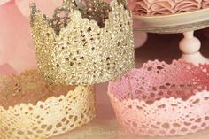Lace Princess Crowns – DIY Princess crowns are a must for every princess birthday party. It is fun and simple to make lace princess crowns yourself using lace and fabric stiffener! Crafts For Girls, Diy For Girls, Crafts To Make, Kids Girls, Army Girls, Army Women, Make A Crown, Diy Crown, Crown Decor