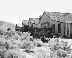 Ghost Town - White Hills, Arizona, 1936 -- (western, wild wild west, days gone by) Old Abandoned Buildings, Abandoned Places, Old Pictures, Old Photos, Ghost Towns Of America, Arizona Ghost Towns, Arizona History, Creepy Houses, Ghost Hunting
