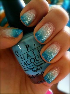 I love this blue sparkle ombre manicure! So cute!