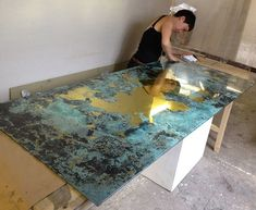 Verre églomisé - gilding and painting with gold leaf on glass for bespoke interiors — Studio Peascod - verre eglomise mirrored artworks and furniture Mirror Artwork, Mirror Painting, Spray Paint Mirror, Painted Furniture, Diy Furniture, Distressed Mirror, Antiqued Mirror, Paint Effects, Diy Mirror