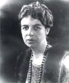 #34 Anna Eleanor Roosevelt  October 11, 1884 – November 7, 1962) was the First Lady of the United States from 1933 to 1945. Roosevelt, age 20, married Franklin, age 23, her fifth-cousin once removed, on March 17, 1905. Roosevelt received 48 honorary degrees during her life.They had six children, five of whom survived infancy