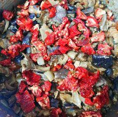 Kuzu etli kuru patlıcan yemeği